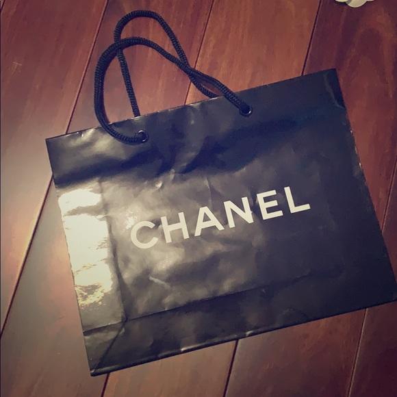 CHANEL Handbags - CHANEL paper shopping bag